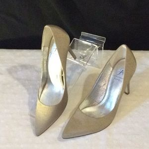 Adriana Papell silver beige cocktail heels # 6 M